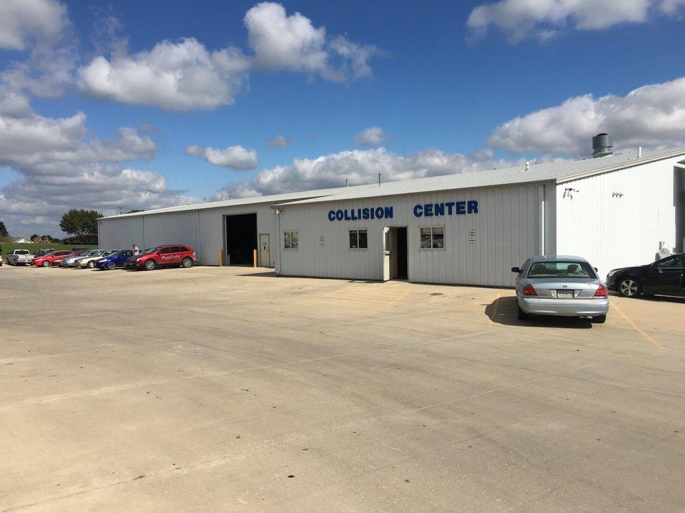 Pettijohn Auto Center: 1301 S 25th St, Bethany, MO