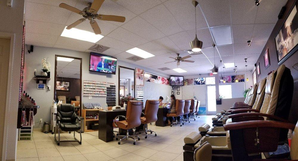 LV Spa & Nails: 7049 S Desert Blvd, Canutillo, TX