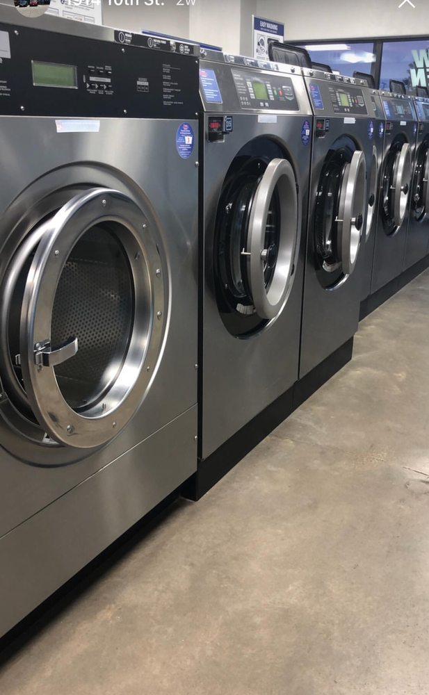 Tornado Laundromat & Wash and Fold Service: 1914 SE 10th St, Amarillo, TX