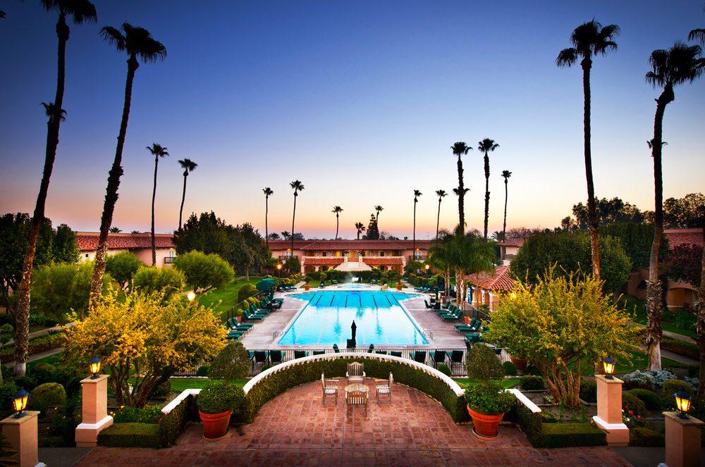 Hotels Near Harris Ranch