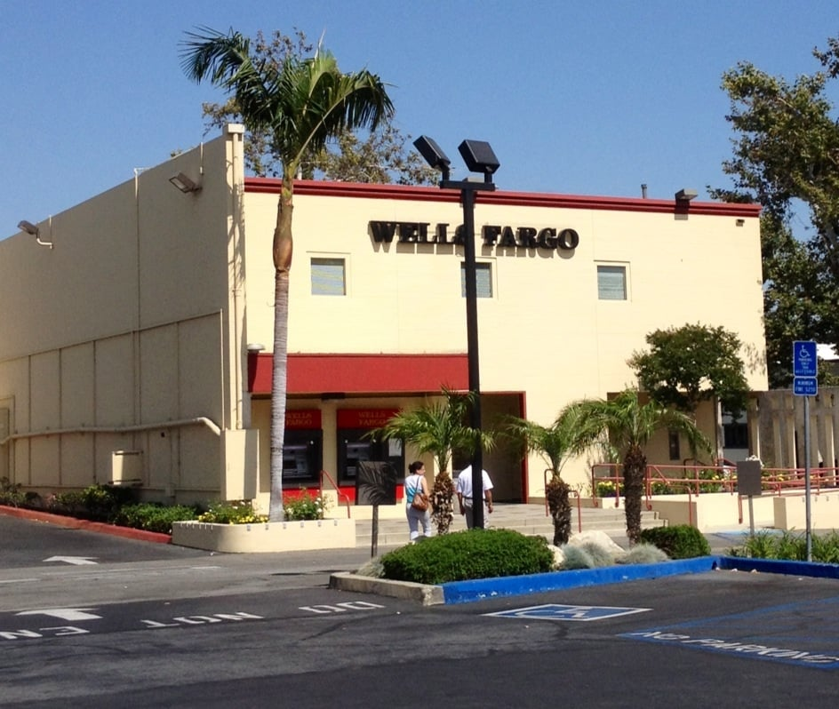 Wells Fargo Bank: 203 Yale Ave, Claremont, CA