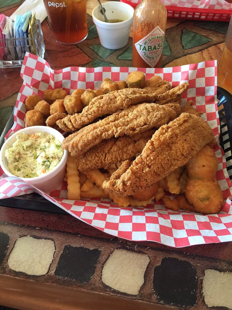 Fried mississippi catfish filets w okra hush puppies for Fish river grill gulf shores