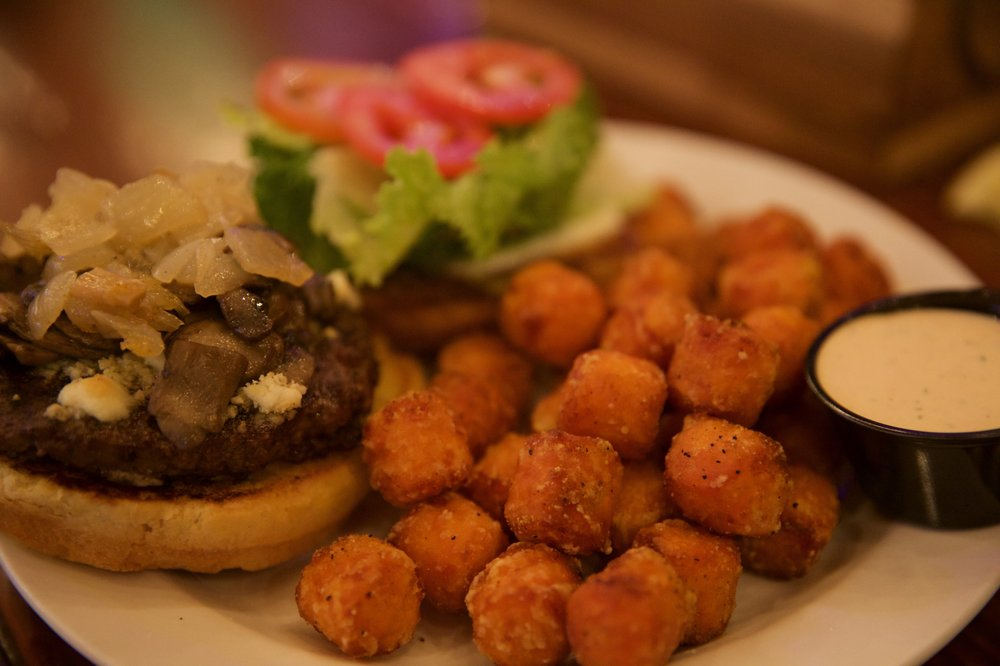 California Burger: 1001 Heavenly Village Way, South Lake Tahoe, CA