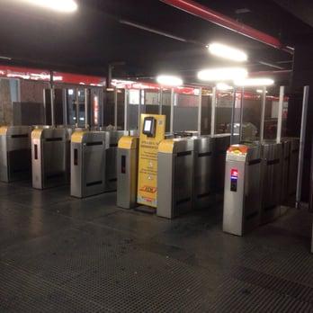 Porta venezia m1 22 foto stazioni della metropolitana for Porta venezia metro