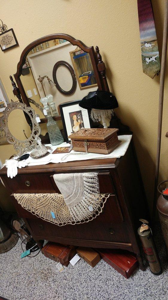 Fargo Antiques & Repurposed Market: 5258 51st Ave S, Fargo, ND