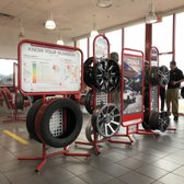 Discount Tire 11 Photos 34 Reviews Tires 1312 N Interstate