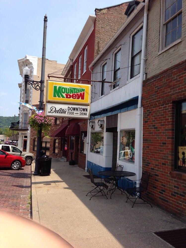Delite's: 222 Market St, Maysville, KY