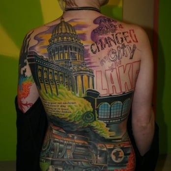 Adambomb gallerie 32 photos 17 reviews tattoo 2028 for Tattoo shops milwaukee