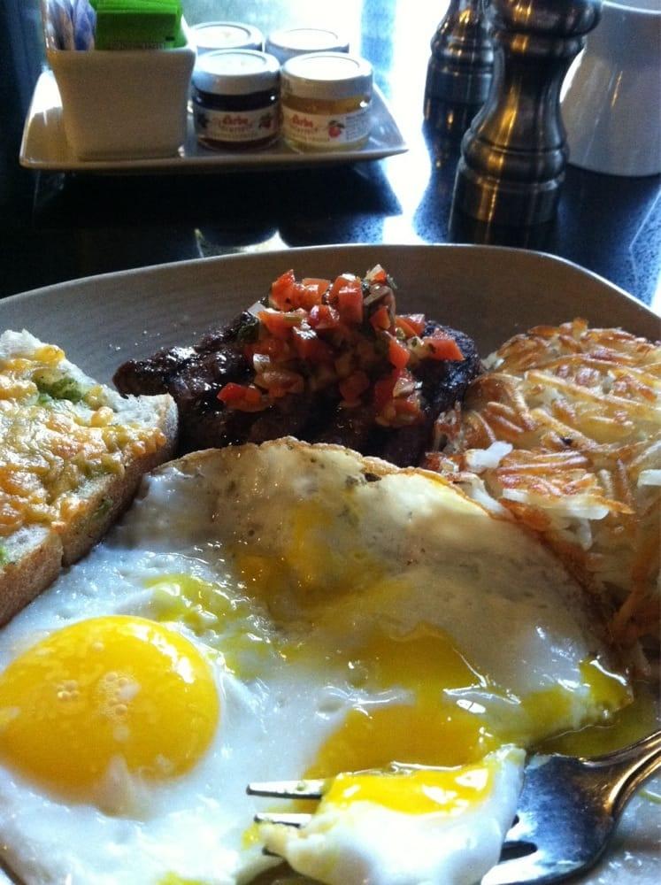 Bella Terraza Restaurant & Lounge: 880 S Westlake Blvd, Westlake Village, CA