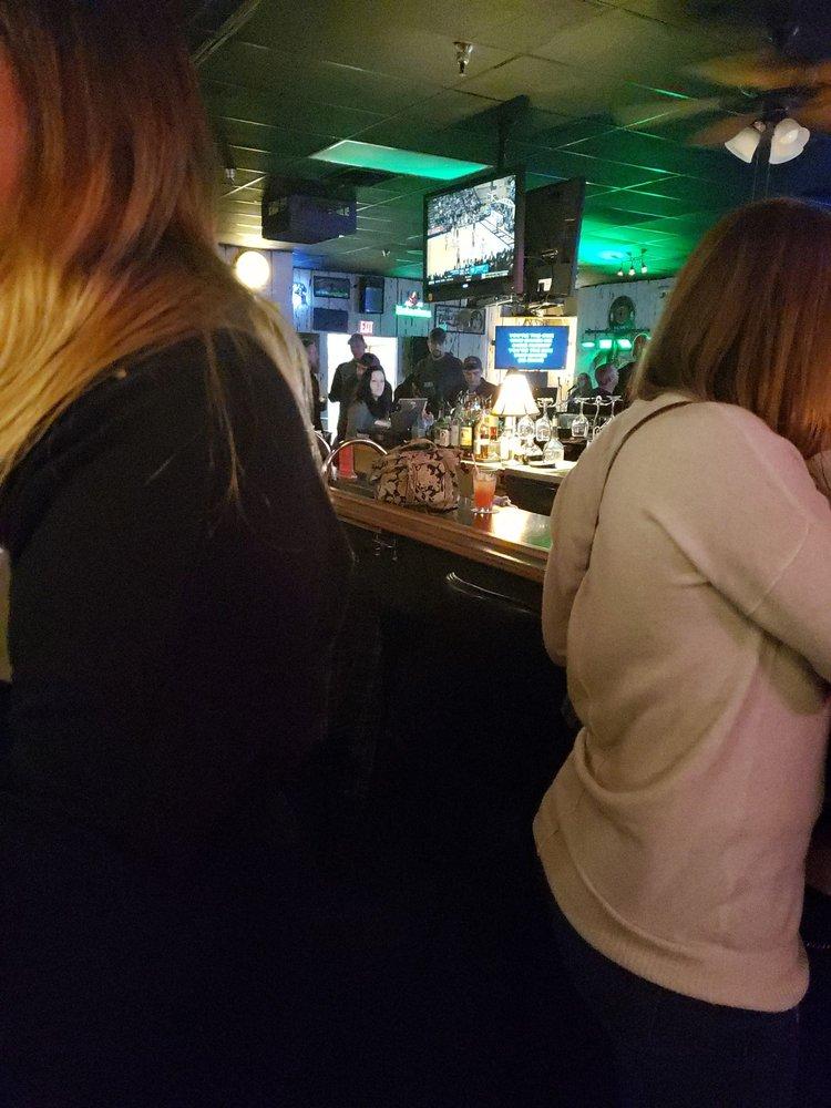 Mr G's Lounge: 10432 Shelbyville Rd, Louisville, KY