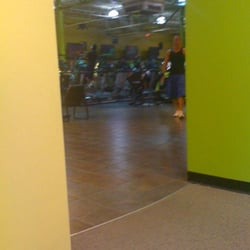 Gold S Gym 55 Reviews Gyms 1601 Willow Lawn Dr