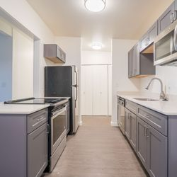 Photo Of Guide Property Services   Seattle, WA, United States. Cavanaugh  Apartments . Cavanaugh Apartments  Kitchen
