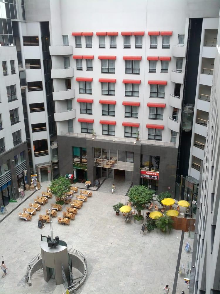 plaza frankfurter allee centros comerciales frankfurter allee 71 friedrichshain berl n. Black Bedroom Furniture Sets. Home Design Ideas