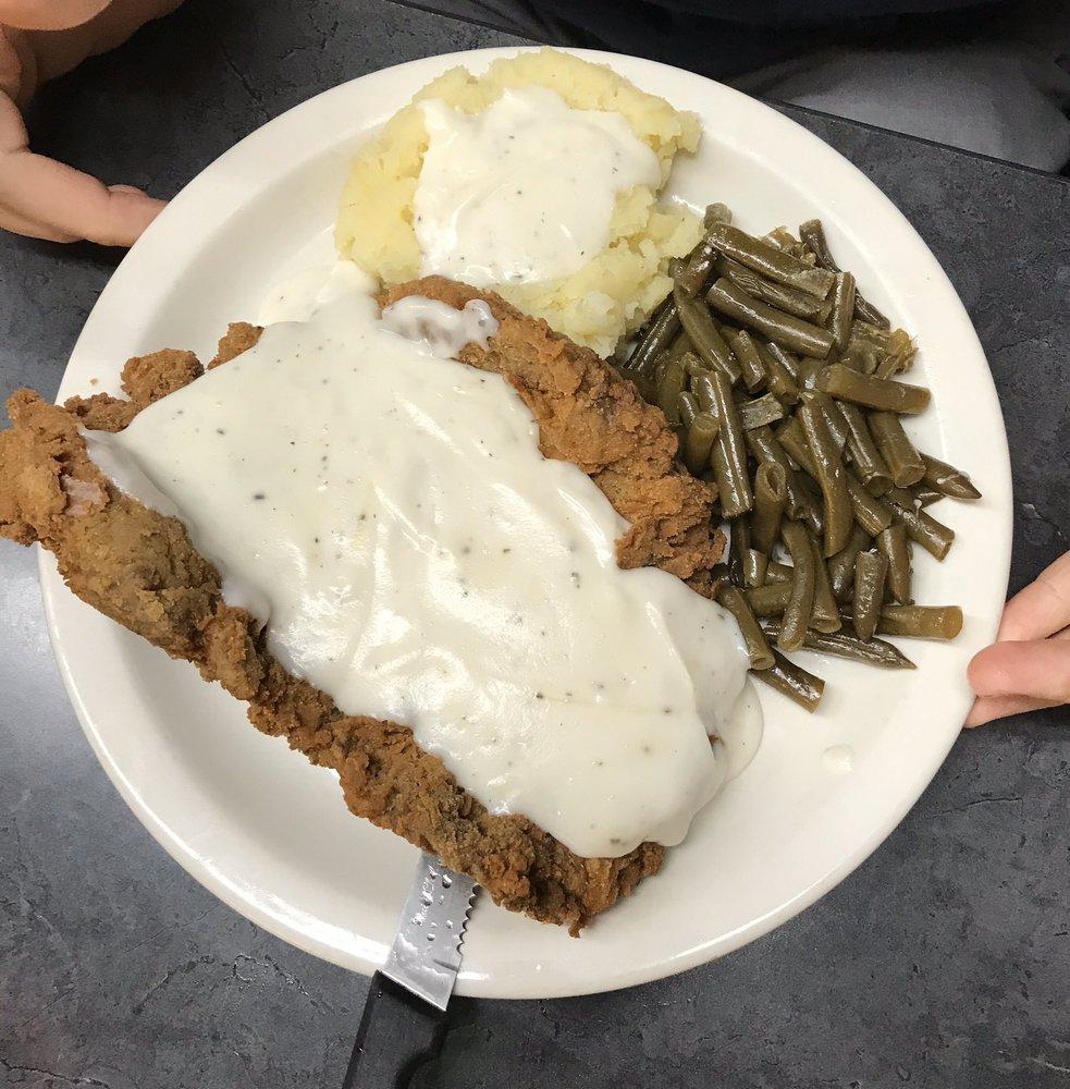 Ma's Café: 7560 TX-11, Leesburg, TX