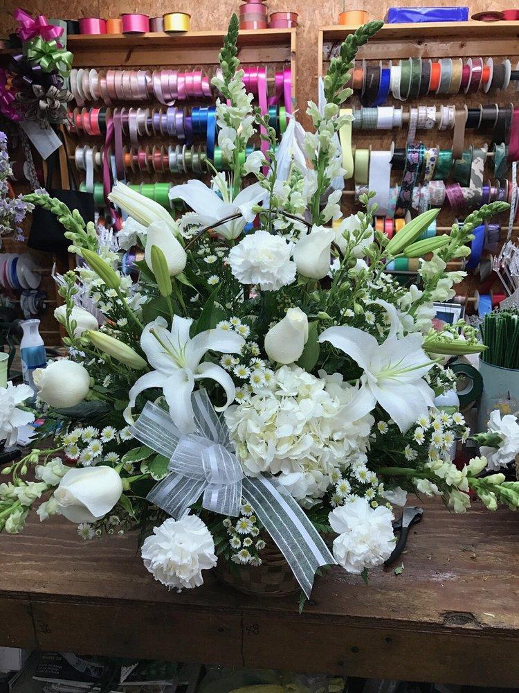 Thomas Flowers: 900 Peterson Ave S, Douglas, GA