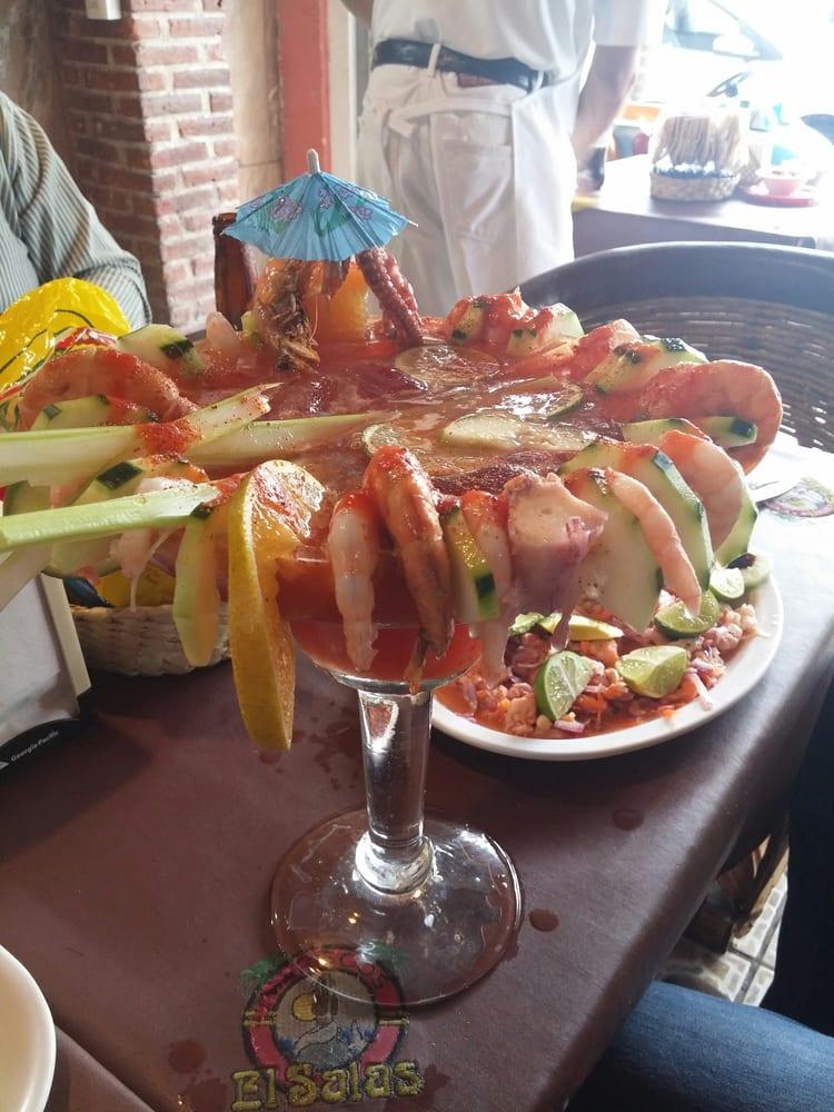 Mariscos el salas mexican lerdo de tejada 416 san for El salas restaurante