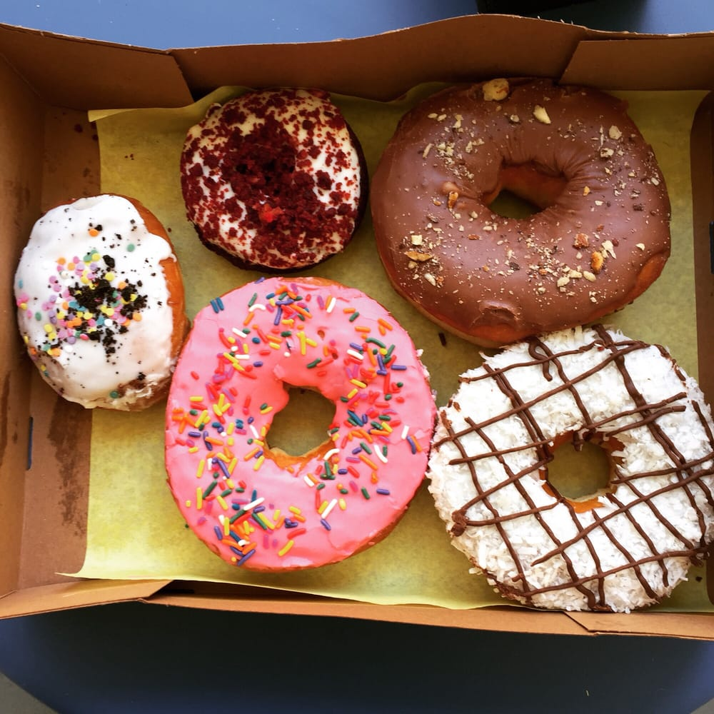 Oreo birthday cake Homer Simpson red velvet cake Nutella and