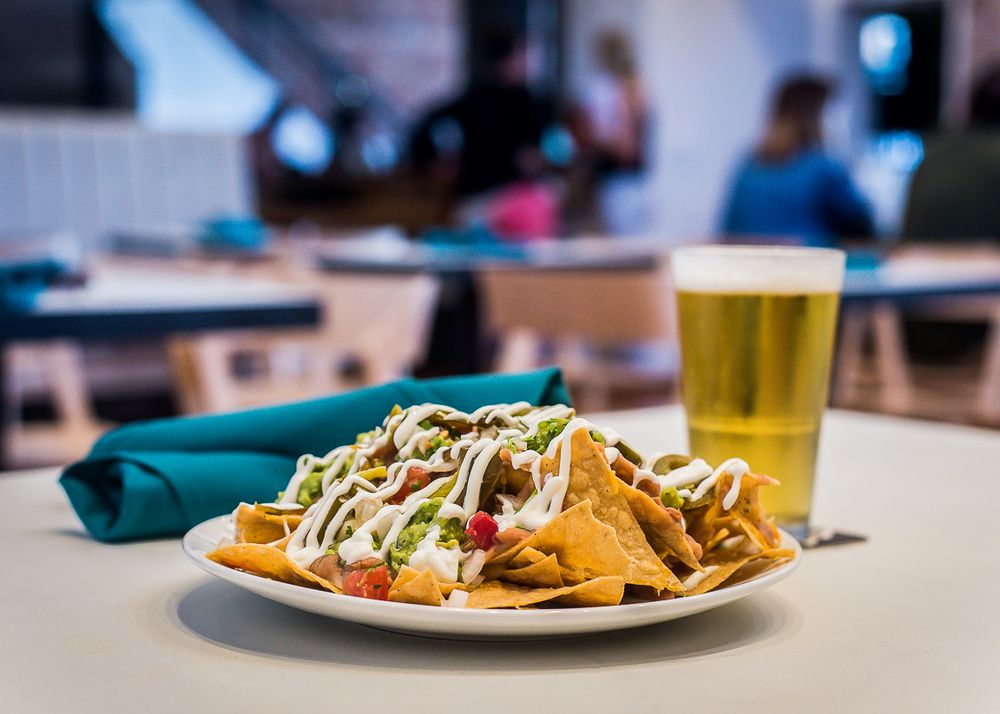 Surfside Bar and Grill: 23 Windward Ave, Los Angeles, CA