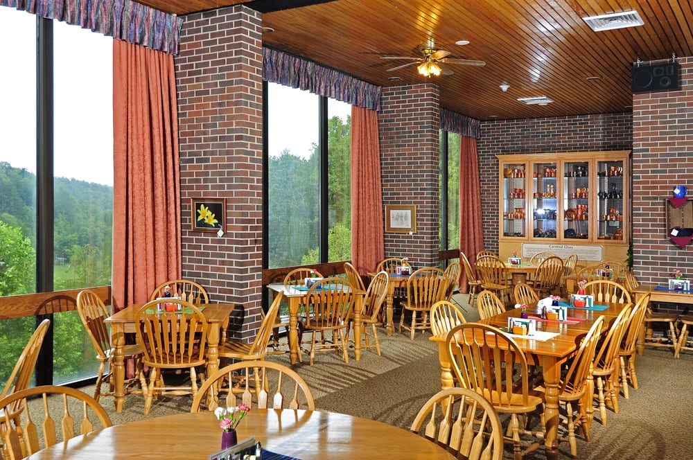 Twin Falls Restaurant: Twin Falls Resort State Park, Mullens, WV