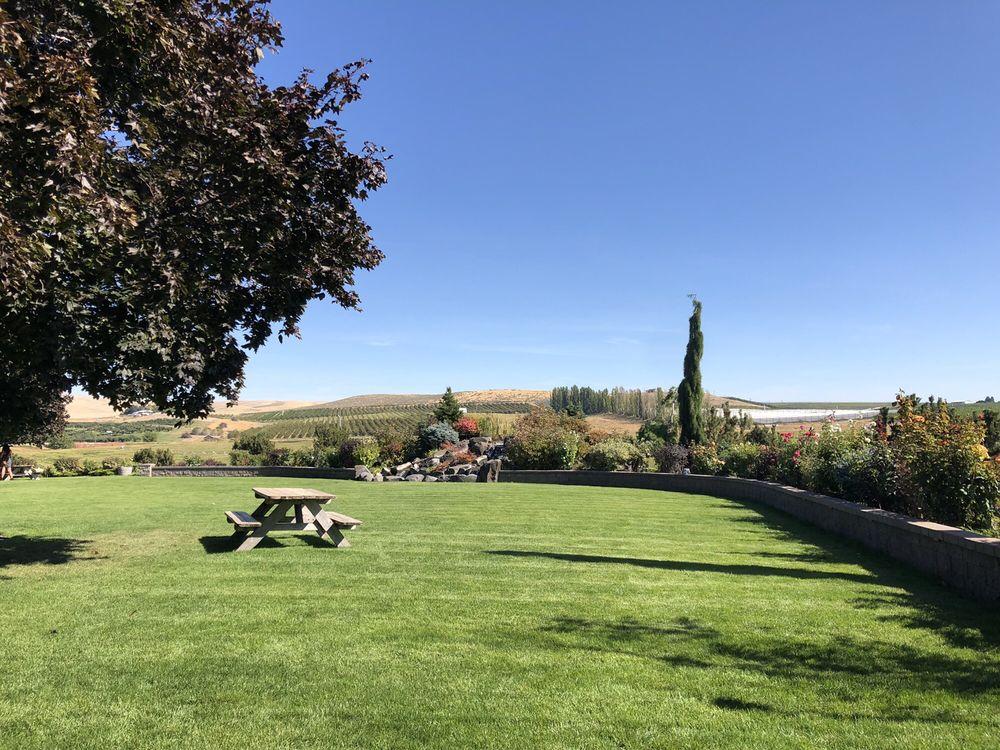 SIlver Lake Winery: 1500 Vintage Rd, Zillah, WA