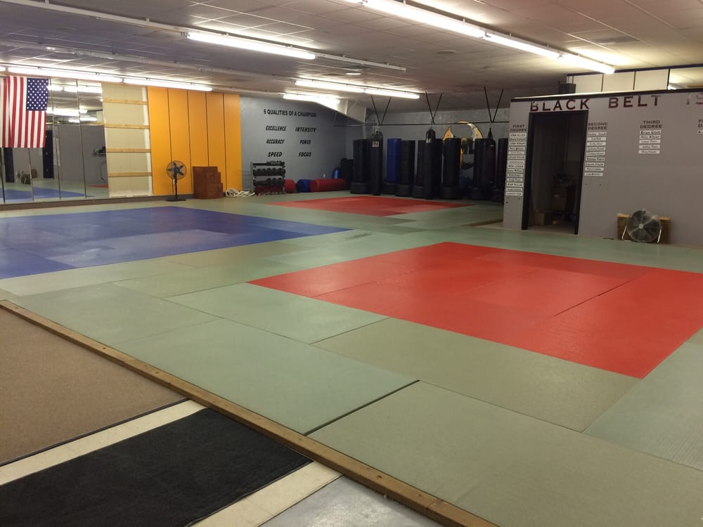 Kickin It Martial Arts: 1100 Spur Dr, Marshfield, MO