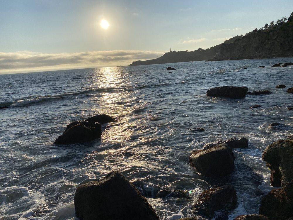 Fort Ross Lodge: 20706 Coast Hwy 1, Jenner, CA