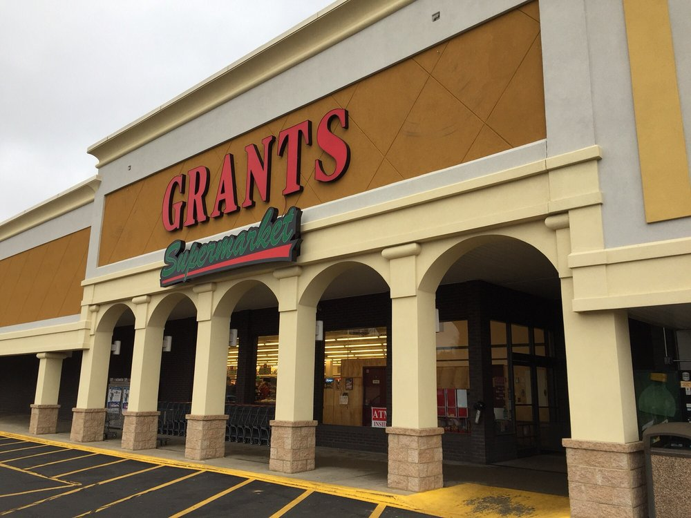 Grant's Supermarket: 544 E Stuart Dr, Galax, VA