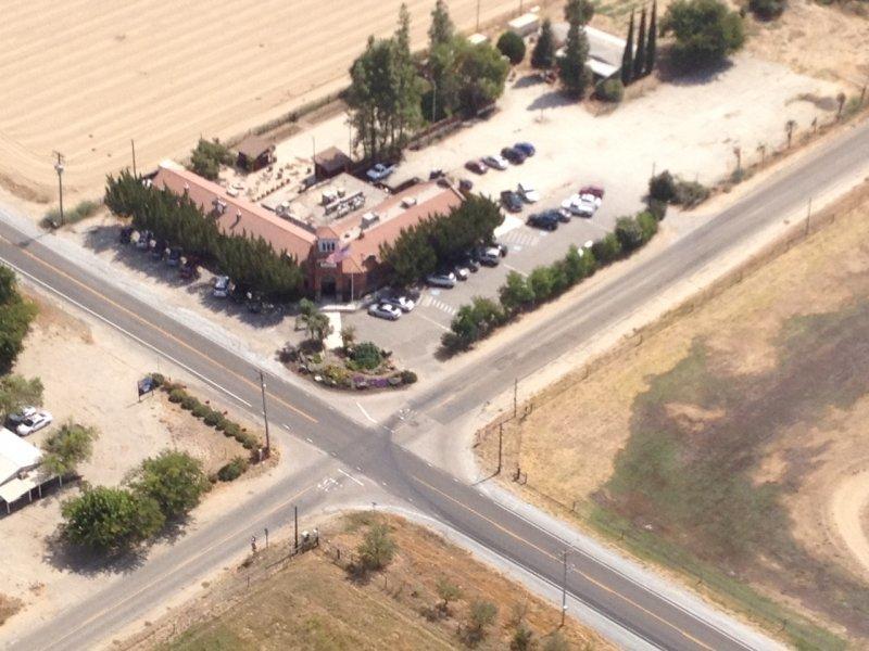 School House Restaurant & Tavern: 1018 S Frankwood Ave, Sanger, CA