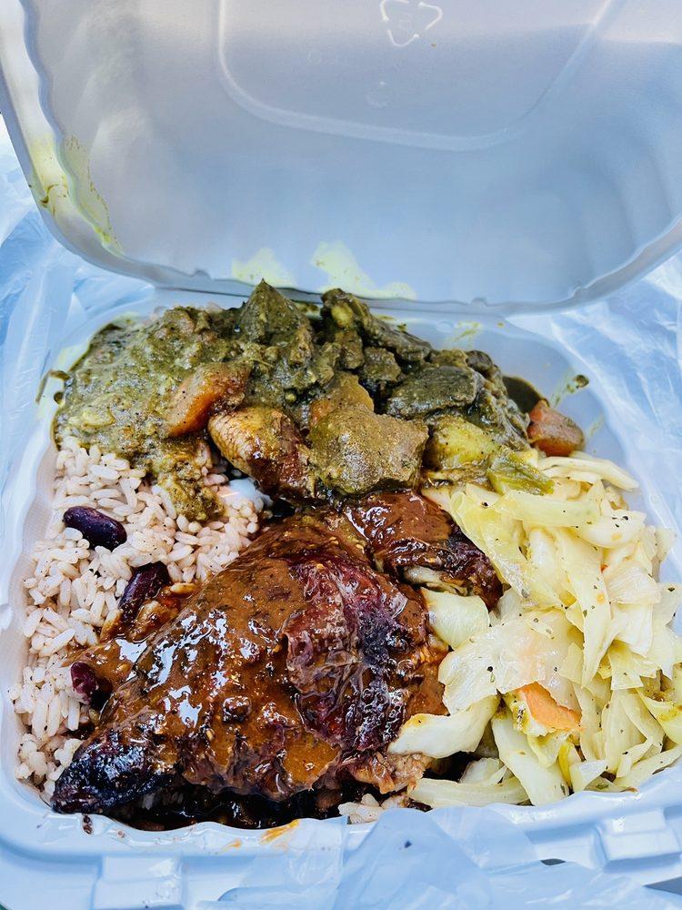 Food from Reggae Vibes Qzine