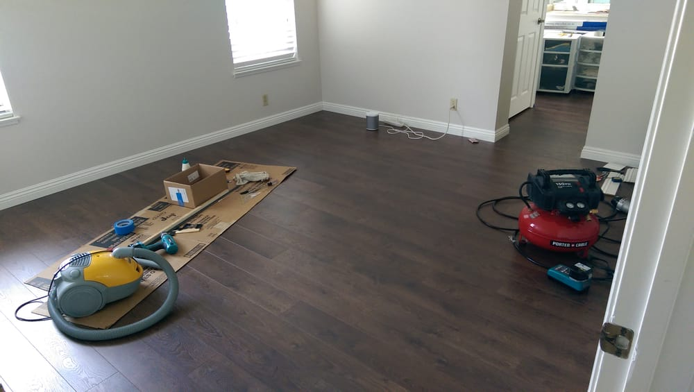 Exceptionnel Partially Finished Master Bedroom. Some Baseboards Have Been ...