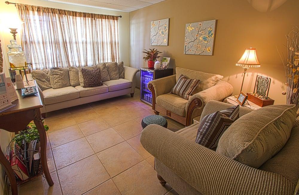 The Retreat Massage and Facial Spa: 1045 SE Ocean Blvd, Stuart, FL