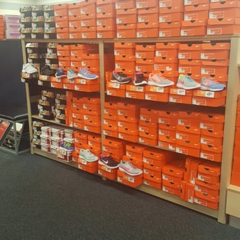 Rack Room Shoes - Shoe Stores - 3201 E Colonial Dr, Colonialtown ...