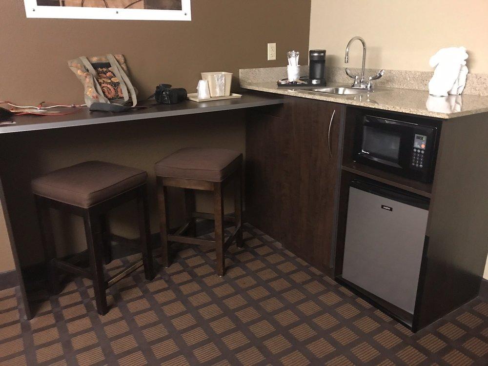 Microtel Inn & Suites by Wyndham Harrisonburg: 85 Pleasant Valley Rd, Harrisonburg, VA