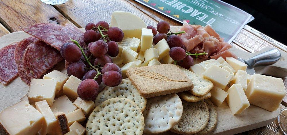 Harvest Ridge Winery: 1140 Newark Rd, Toughkenamon, PA