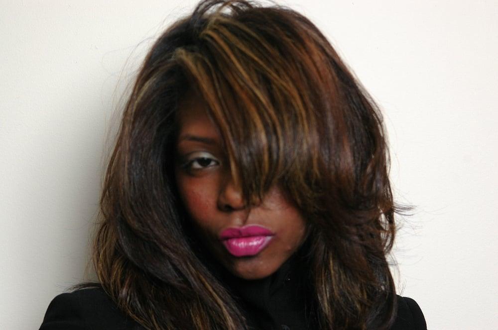 Boss the salon 10 photos coiffeurs salons de for A le salon duluth mn