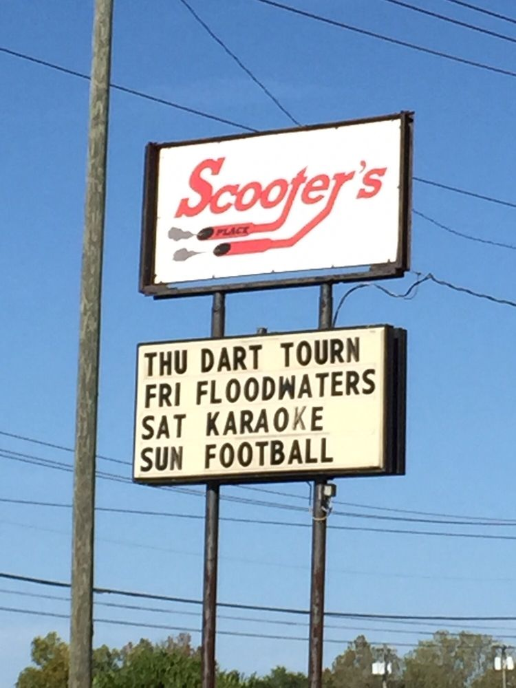 Scooter's Pub and Grill: 2458  Hwy 41A Byp, Clarksville, TN