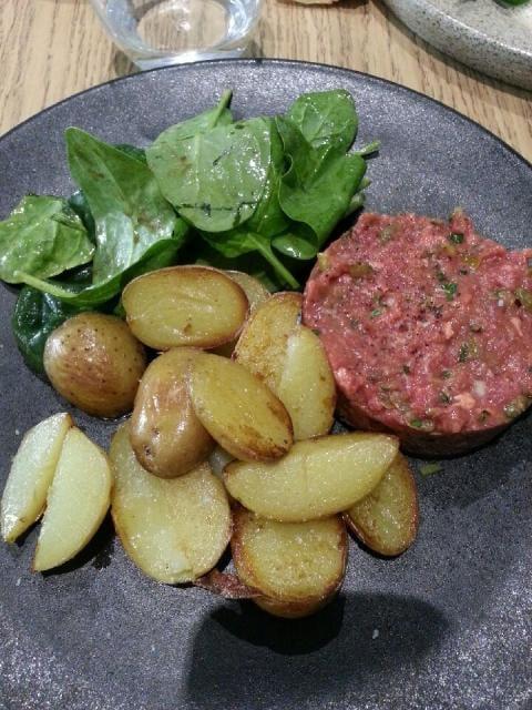 Plat tartare de boeuf et pommes grenaille yelp for Une cuisine en ville bordeaux menu