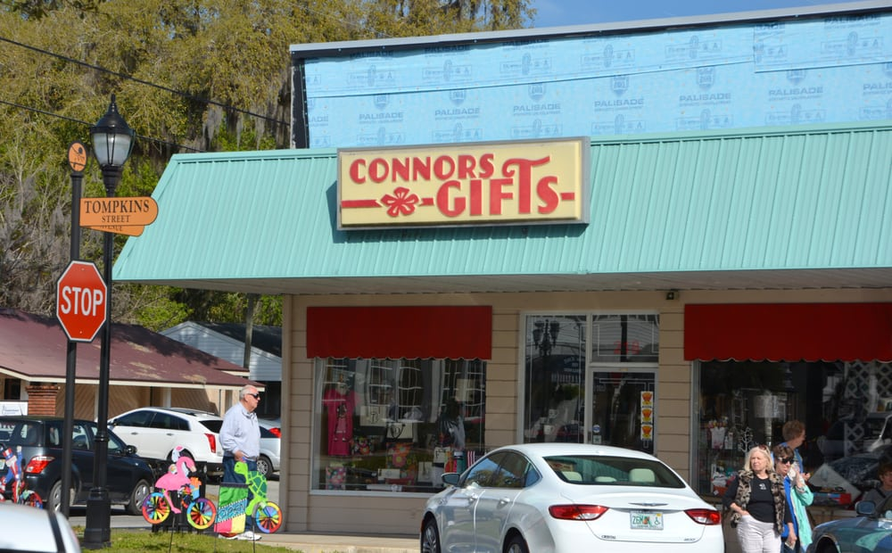 Connors Gifts and Christmas Village: 218 Tompkins St, Inverness, FL