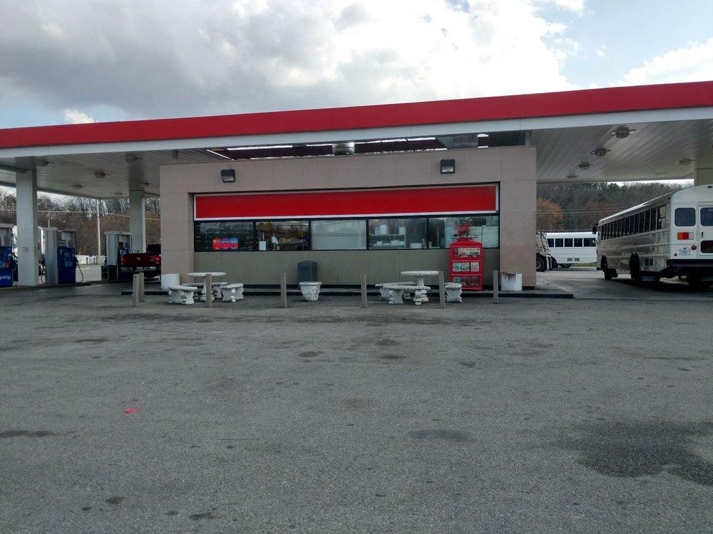 E-Z Stop Food Mart: 1103 US 25 & 70, Newport, TN