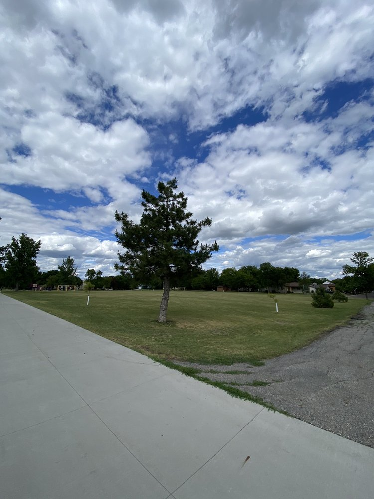 Milwaukee Trail Middle Park: 3719 17th St S, Fargo, ND