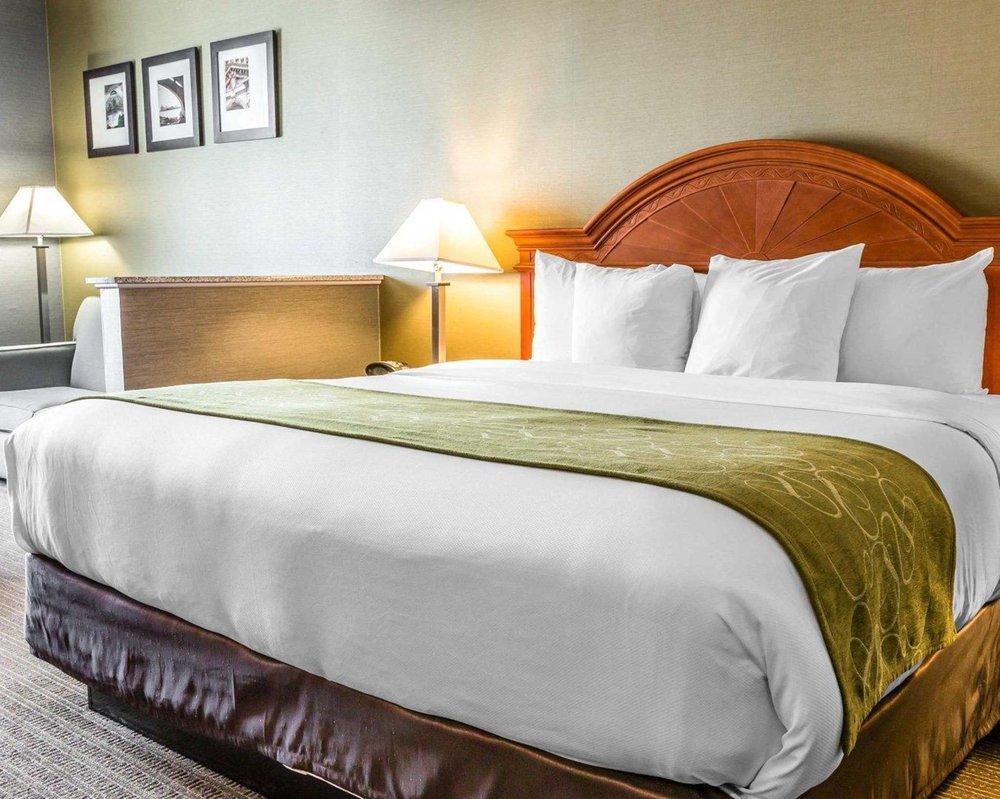 Comfort Suites: 18950 Northline Rd, Southgate, MI
