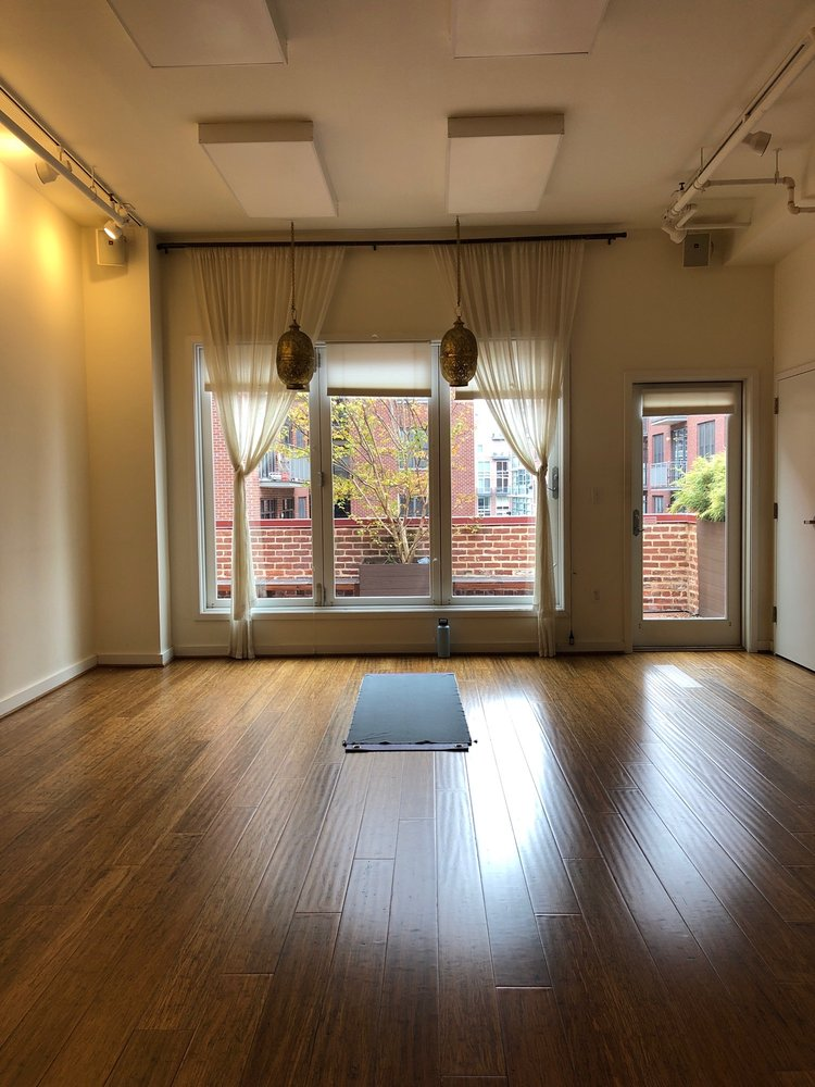 Flow Yoga Center