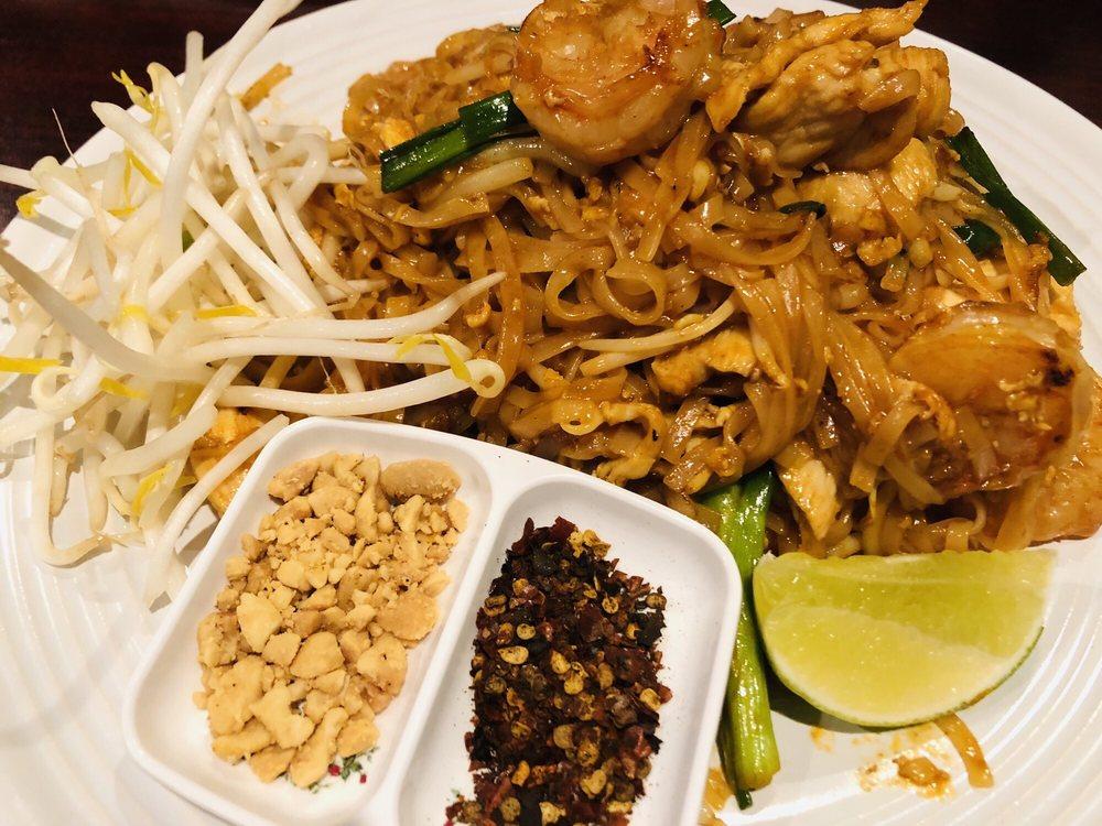 SabaiDee Thai Lao Cuisine: 5730 N First St, Fresno, CA