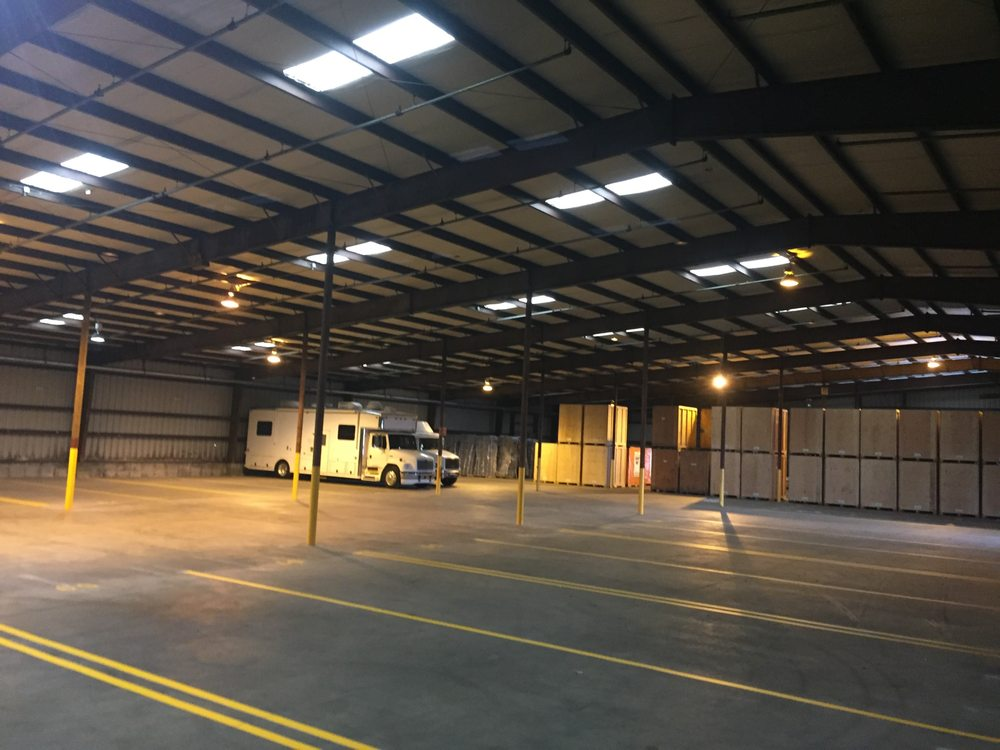 U-Haul Moving & Storage of Abington: 403 Bedford St, Abington, MA