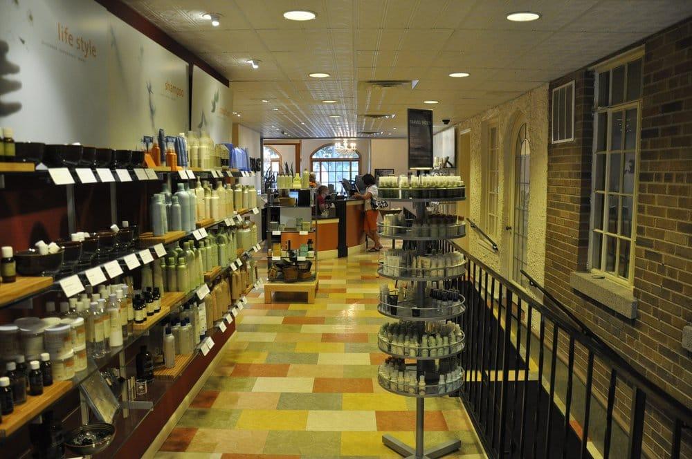Entourage Salon & Spa: 726 Michigan Ave, Sheboygan, WI
