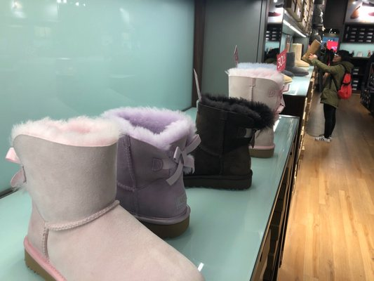 ugg outlet aurora illinois