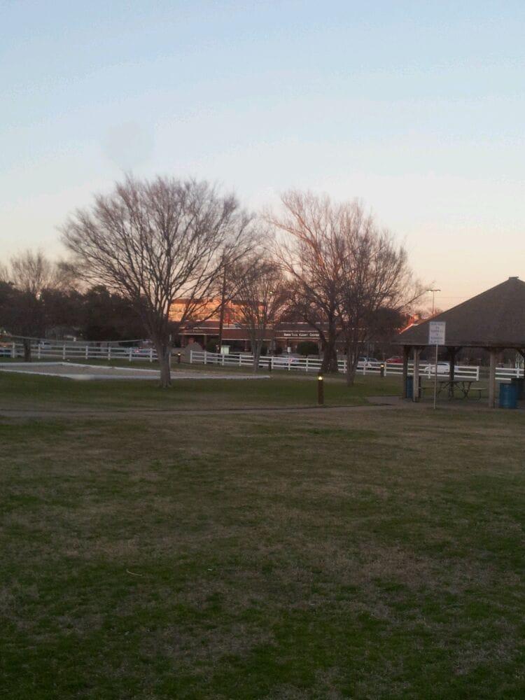 Central Park: 1200 Central Dr, Bedford, TX
