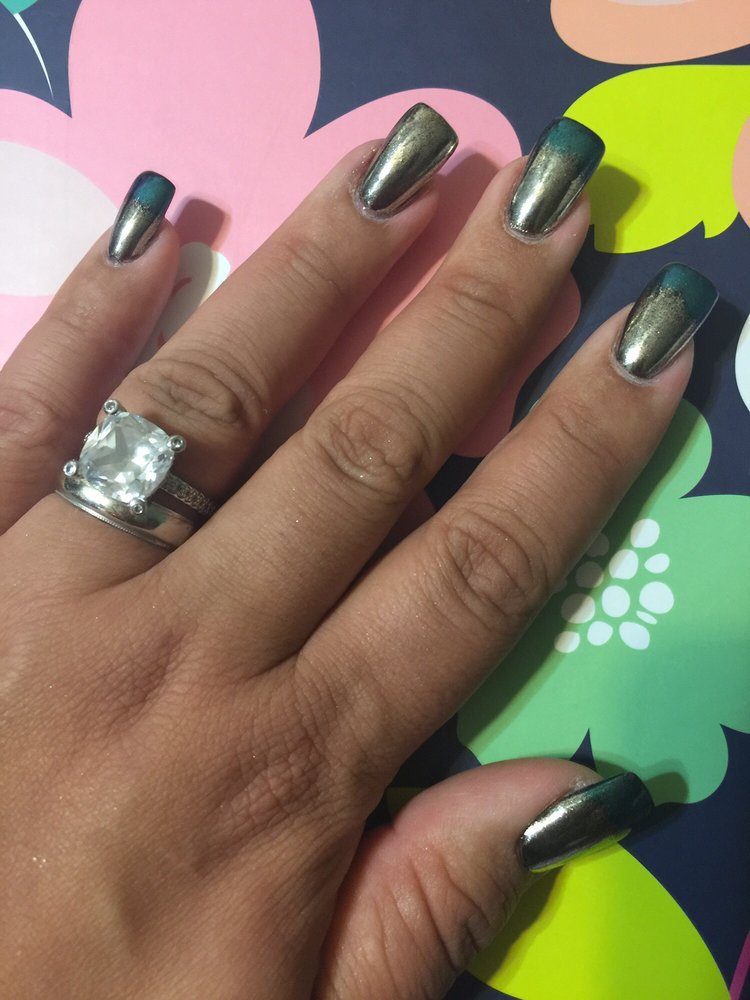 This are my gorgeous, fabulous, AMAZING, CHROME NAILS done by Kim ...