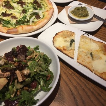 California Pizza Kitchen 218 Photos 266 Reviews Pizza 1001 Broxton Ave Ucla Los