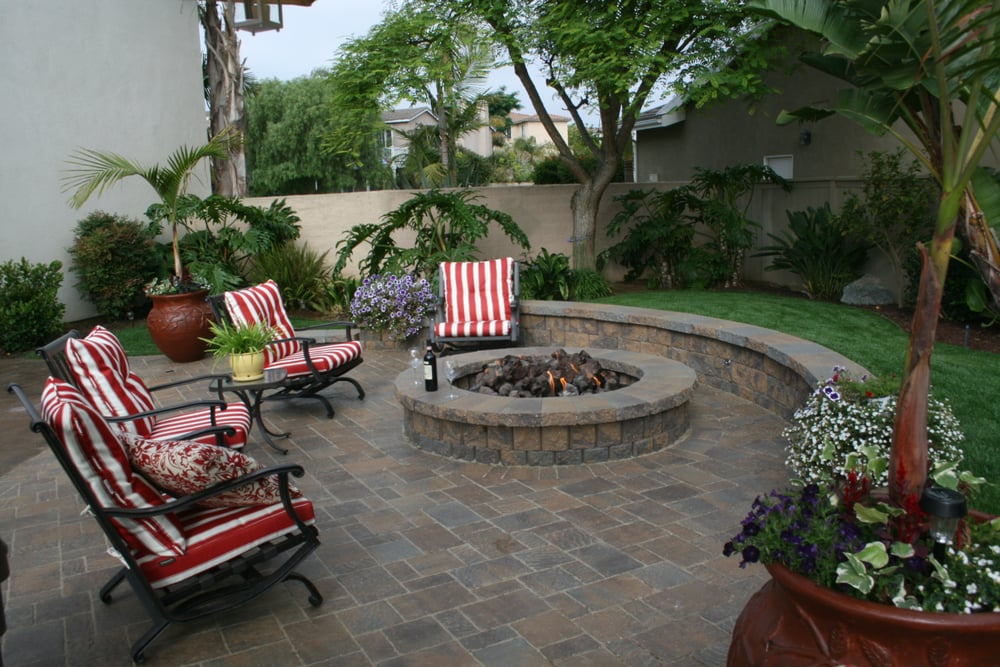 Beautiful Seating Area With Belgard Pavers Sitting Bench